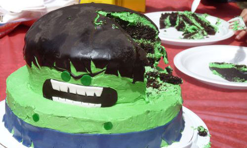 10 Creative Birthday Cakes Made By Real Moms Help Weve Got Kids