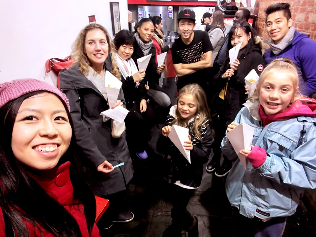 Kensington-Tour-Selfie-with-Moo-Frites