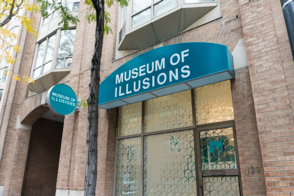 Museum of Illusions Toronto – exterior