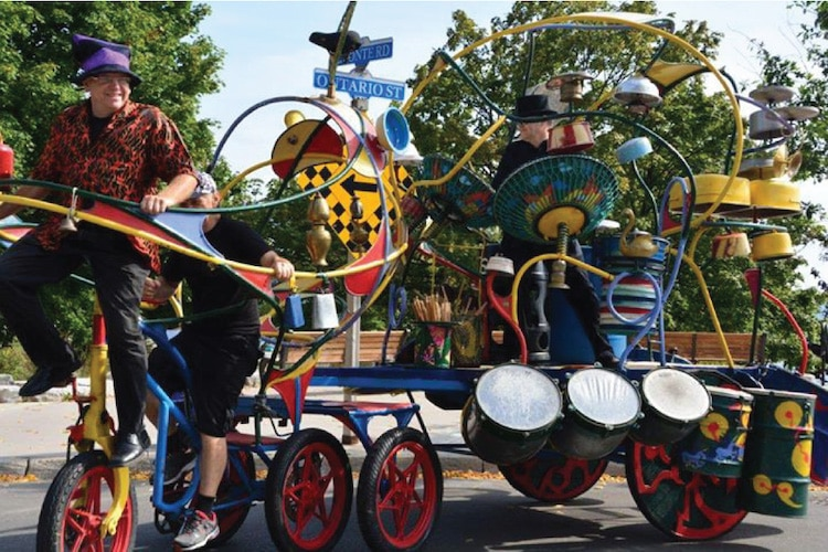 Oakville Children's Festival Zoosemobile