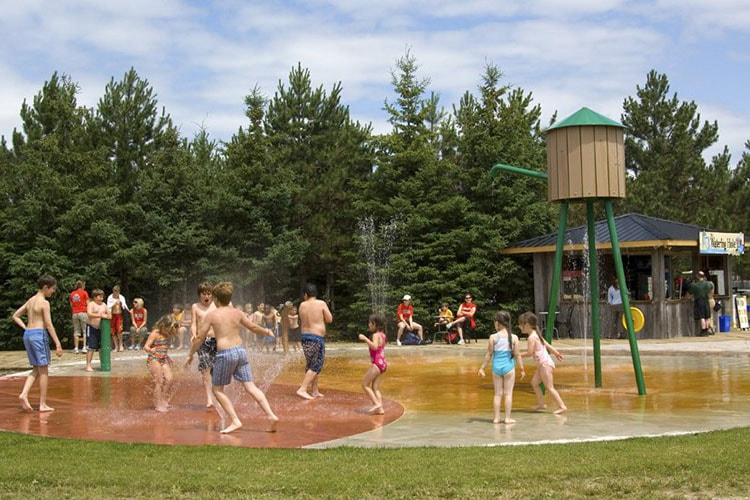 Saunders Farm splash pad