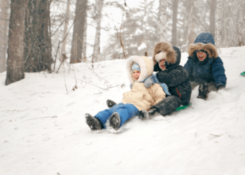 13 Fun Things To Do With Kids in Toronto This Winter